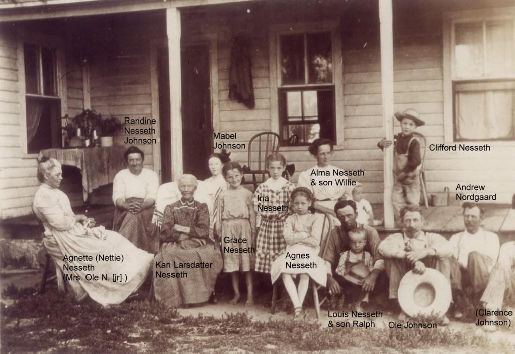 1910c Kari large fam