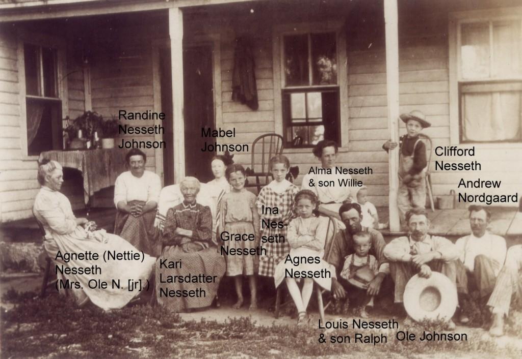 1910c Kari large fam (2)