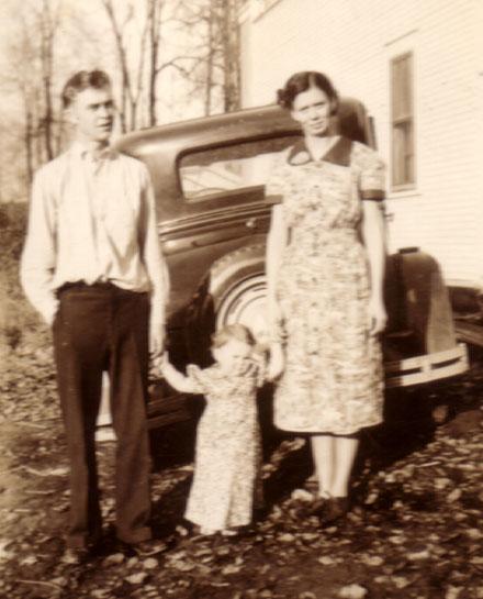Waldemar, Lois, & Irene Larson, c. 1939
