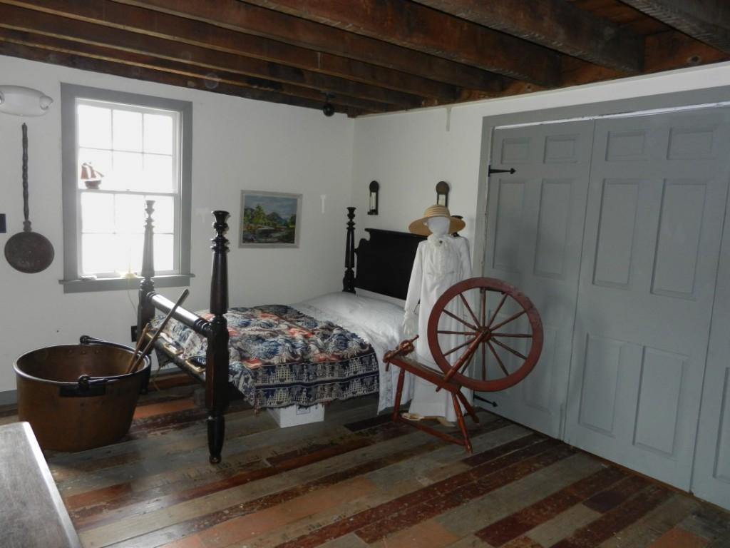 1816 room DSCN1796i