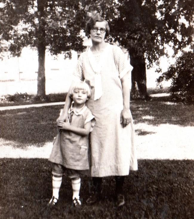 1926c Manda Helen