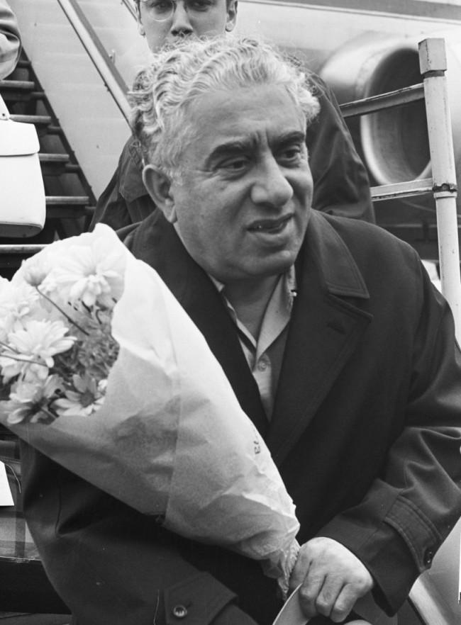 Aram_Khachaturian_1964b