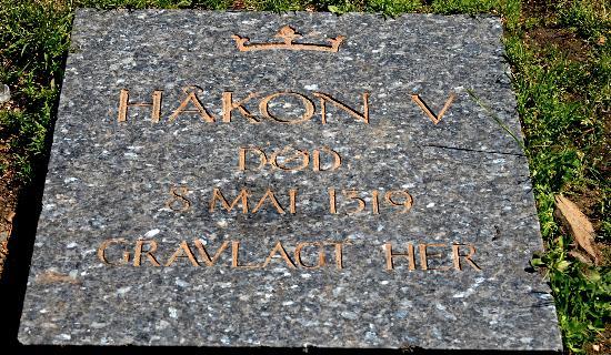 tombstone-king-haakon