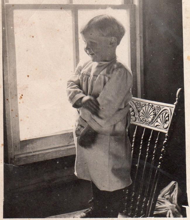 1915c Chester Larson
