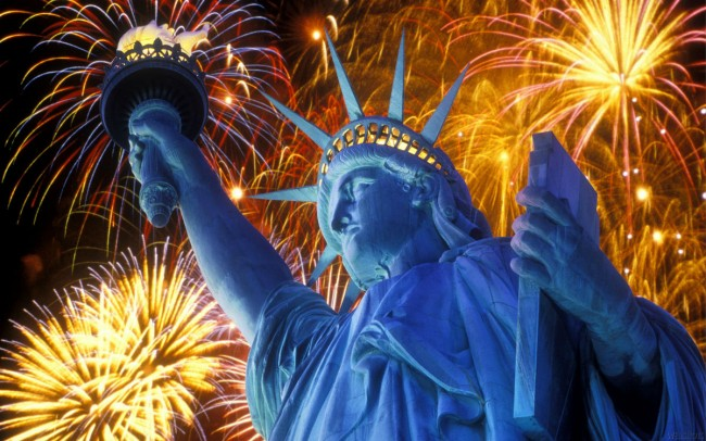 4th-of-July-Fireworks-in-Statue-of-Liberty-HD-Wallpapers