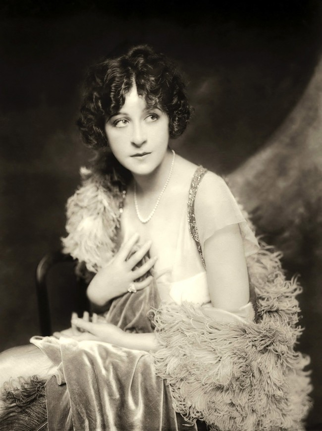 Fanny Brice - c. 1915-1925 - Ziegfeld by Alfred Cheney Johnston. Restored by Nick and jane for Dr. Macro's High Quality Movie Scans Website: http://www.doctormacro.com/index.html. Enjoy!